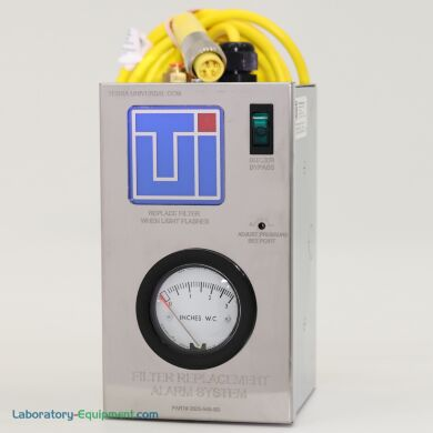 Filter replacement alarm system with integrated minihelic pressure gauge, light and buzzer | 2625-54B-SS displayed