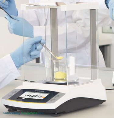 Models with a glass draft shield minimize weighing errors caused by electrostatically charged samples; available with external or isoCAL internal adjustment   5706-PP-03 displayed