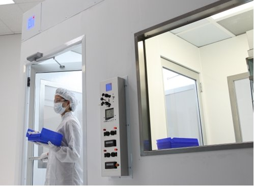 Advantages of Flush-Mounted Cleanroom Windows