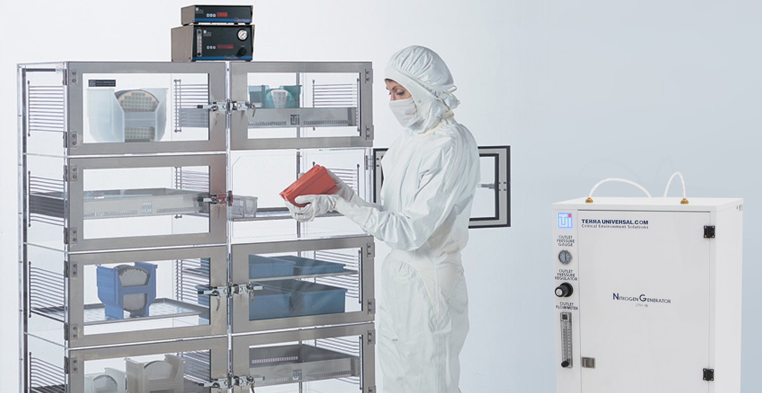 Advantages of Terra Universal's Smart Nitro-Watch for Desiccator Cabinets and Glove Boxes