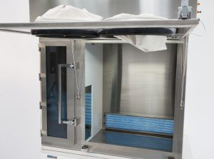 ISO 5 Compounding Zone In USP 797 Isolator